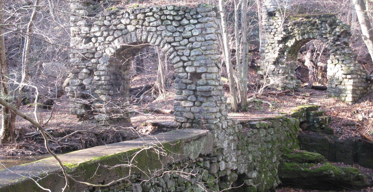 View of ruins on Kennedy Dells County Park Loop - Photo: Daniel Chazin