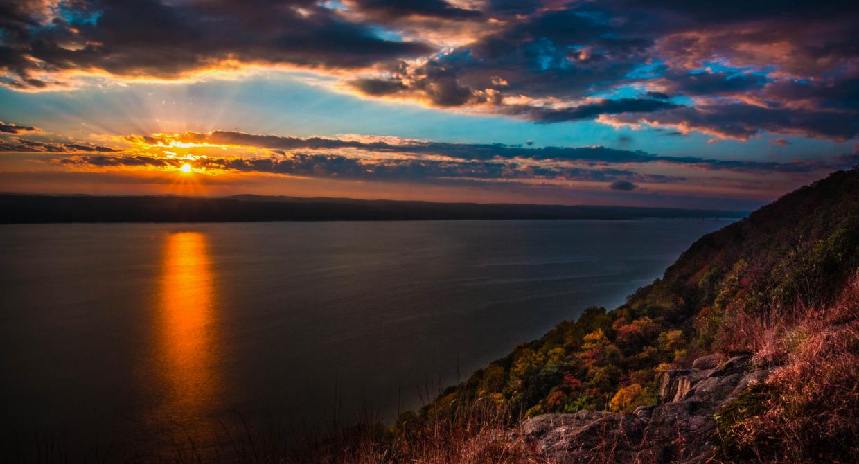 Hudson Sunrise from the Long Path - Photo Steve Aaron